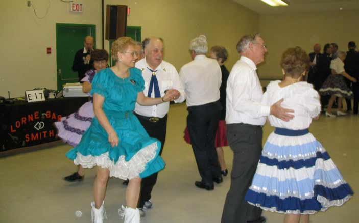 Square Dancing at Rainbow Country Dancers